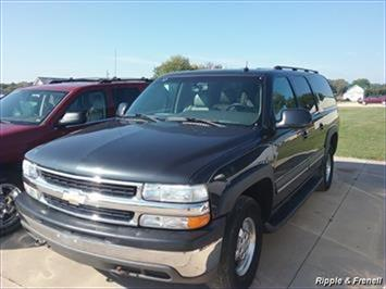 2003 Chevrolet Suburban 1500 4dr 1500 - Photo 1 - Davenport, IA 52802