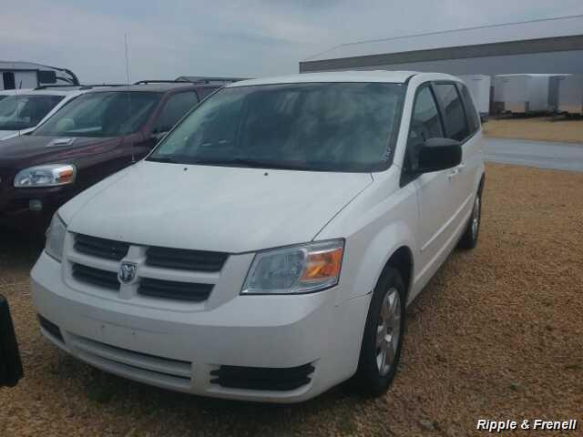 2009 Dodge Grand Caravan SE - Photo 1 - Davenport, IA 52802