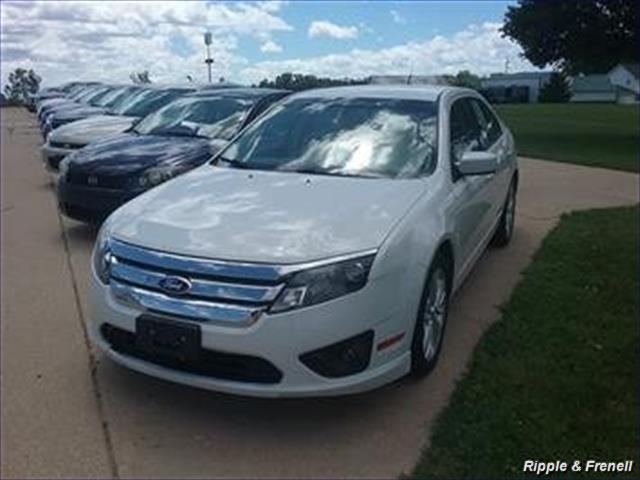 2012 Ford Fusion SE - Photo 1 - Davenport, IA 52802