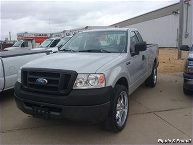 2008 Ford F-150 XL - Photo 1 - Davenport, IA 52802
