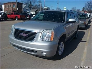 2007 GMC Yukon XL SLE 1500 SLE 1500 4dr SUV - Photo 1 - Davenport, IA 52802