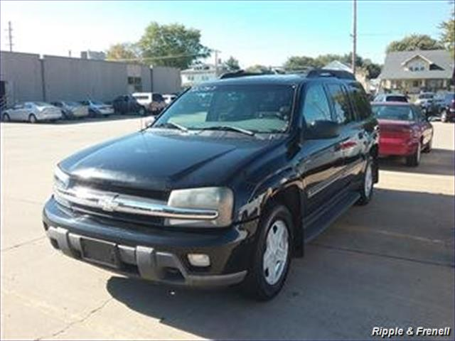 2002 Chevrolet Trailblazer EXT LT - Photo 1 - Davenport, IA 52802