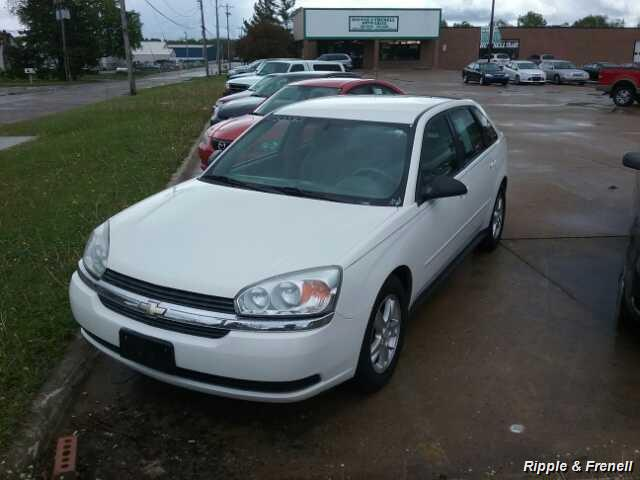 2005 Chevrolet Malibu Maxx LS - Photo 1 - Davenport, IA 52802