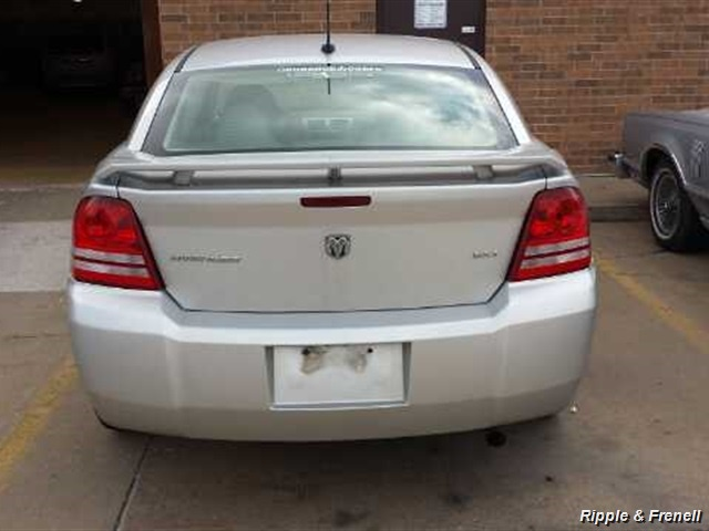 2008 Dodge Avenger SXT - Photo 3 - Davenport, IA 52802
