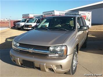 2005 Chevrolet Trailblazer LS - Photo 1 - Davenport, IA 52802