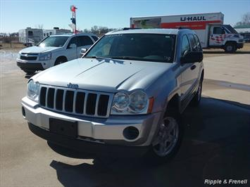 2005 Jeep Grand Cherokee Laredo 4dr Laredo SUV