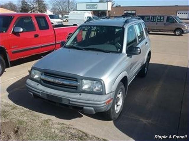 2002 Chevrolet Tracker ZR2 - Photo 1 - Davenport, IA 52802