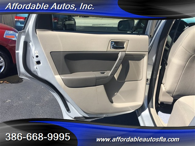 2008 Ford Focus SE - Photo 12 - Debary, FL 32713