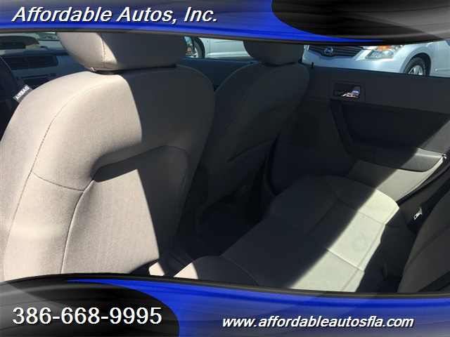 2008 Ford Focus SE - Photo 13 - Debary, FL 32713