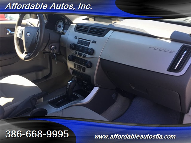 2008 Ford Focus SE - Photo 16 - Debary, FL 32713
