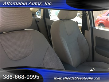 2008 Ford Focus SE - Photo 17 - Debary, FL 32713