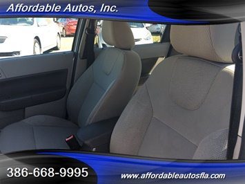 2008 Ford Focus SE - Photo 11 - Debary, FL 32713