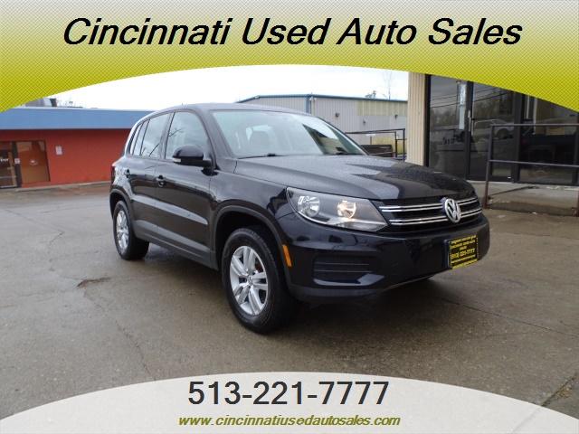 2013 Volkswagen Tiguan SE - Photo 1 - Cincinnati, OH 45255