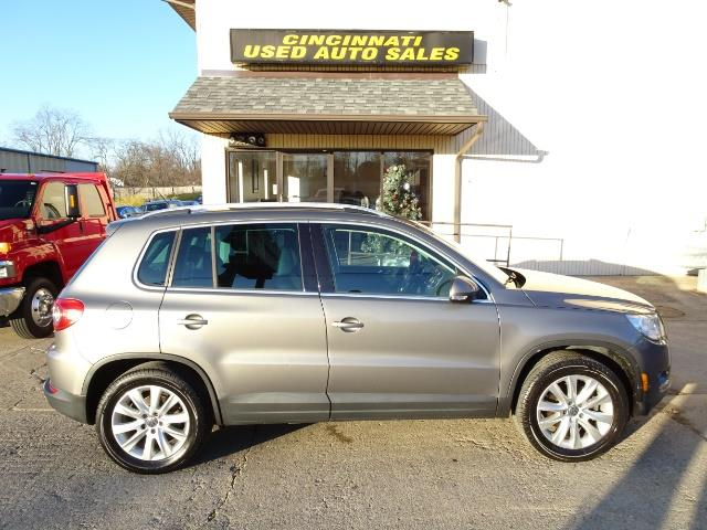 2009 Volkswagen Tiguan SEL - Photo 3 - Cincinnati, OH 45255