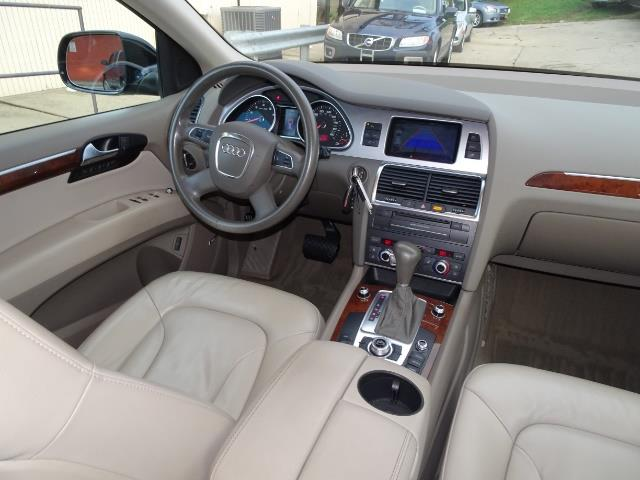 2010 Audi Q7 3.6 quattro Premium Plus - Photo 13 - Cincinnati, OH 45255