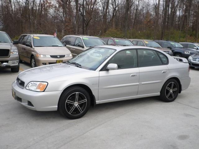 2004 subaru legacy sedan
