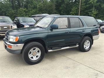 1996 Toyota 4Runner SR5 - Photo 3 - Cincinnati, OH 45255