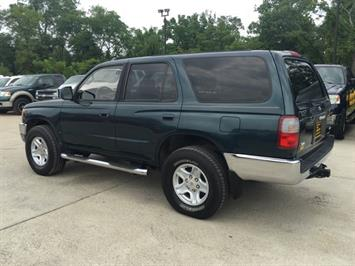 1996 Toyota 4Runner SR5 - Photo 4 - Cincinnati, OH 45255