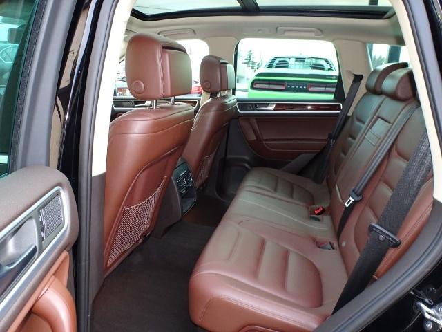 2013 Volkswagen Touareg TDI Lux - Photo 8 - Cincinnati, OH 45255