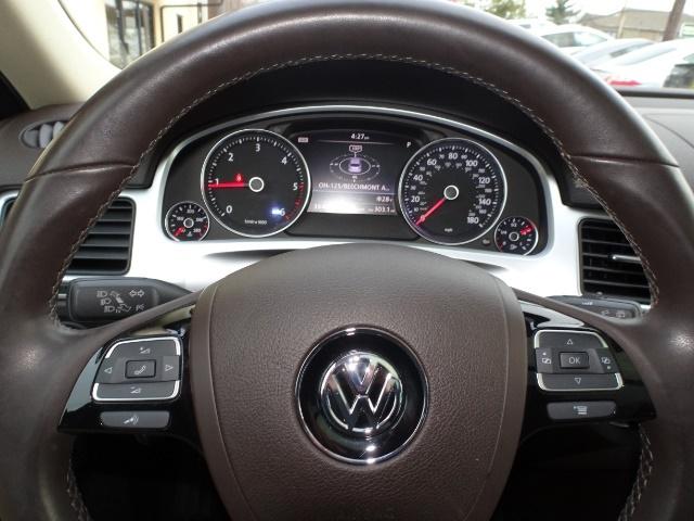 2013 Volkswagen Touareg TDI Lux - Photo 15 - Cincinnati, OH 45255
