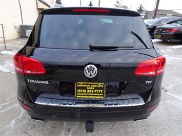 2013 Volkswagen Touareg TDI Lux - Photo 4 - Cincinnati, OH 45255