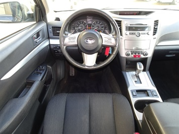 2011 Subaru Outback 2.5i Premium - Photo 16 - Cincinnati, OH 45255