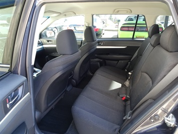 2011 Subaru Outback 2.5i Premium - Photo 15 - Cincinnati, OH 45255