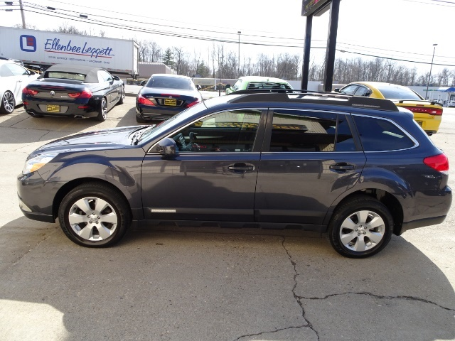 2011 Subaru Outback 2.5i Premium - Photo 8 - Cincinnati, OH 45255