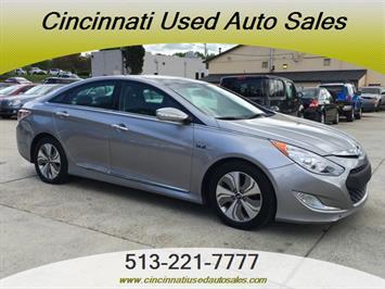 2013 Hyundai Sonata Hybrid Limited - Photo 1 - Cincinnati, OH 45255