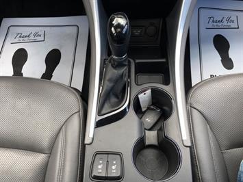2013 Hyundai Sonata Hybrid Limited - Photo 18 - Cincinnati, OH 45255