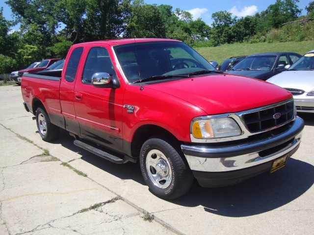 1998 ford f 150 lariat for sale in cincinnati oh stock. Black Bedroom Furniture Sets. Home Design Ideas