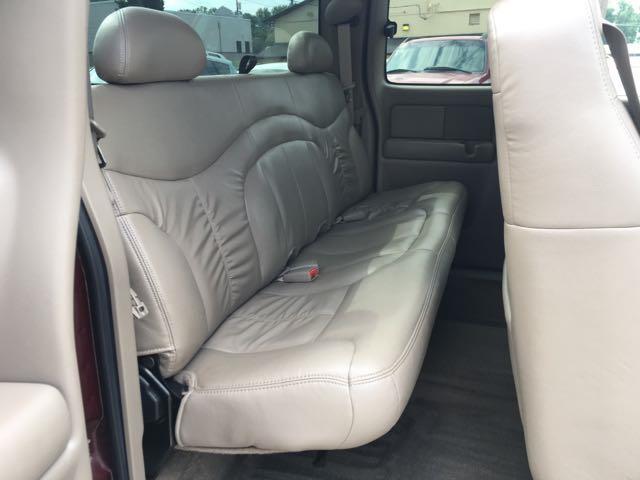 2002 GMC Sierra 1500 SLE 4dr Extended Cab - Photo 9 - Cincinnati, OH 45255