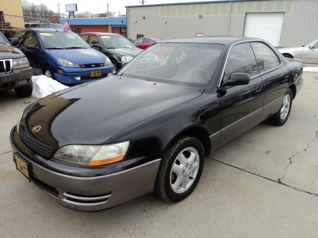 ... 1996 Lexus ES 300 Base Base   Photo 3   Cincinnati, OH 45255 ...