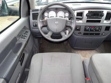 2009 Dodge Ram 2500 SLT - Photo 6 - Cincinnati, OH 45255