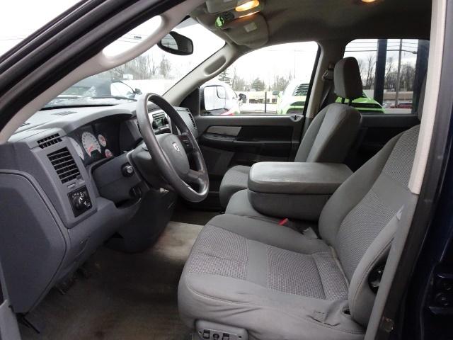 2009 Dodge Ram 2500 SLT - Photo 7 - Cincinnati, OH 45255
