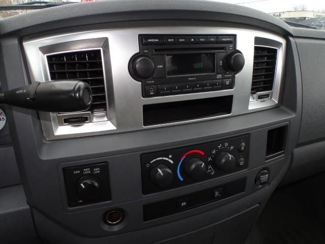 2009 Dodge Ram 2500 SLT - Photo 17 - Cincinnati, OH 45255