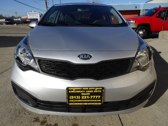 2013 Kia Rio LX - Photo 2 - Cincinnati, OH 45255
