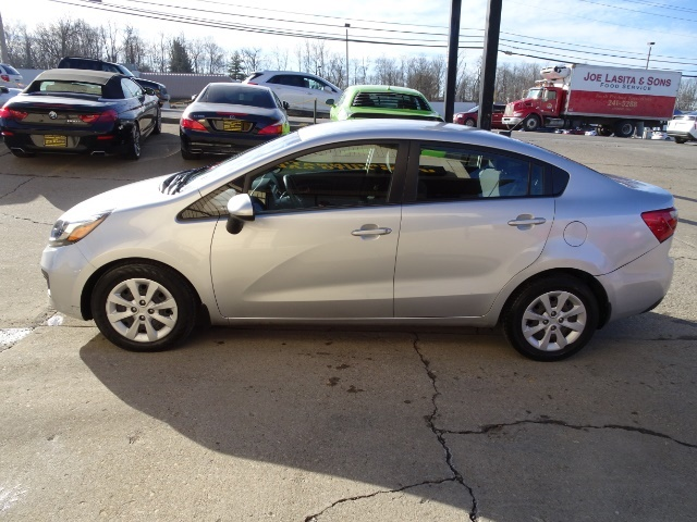 2013 Kia Rio LX - Photo 10 - Cincinnati, OH 45255