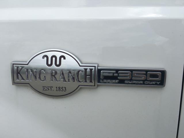2004 Ford F-350 Super Duty King Ranch Crew Cab - Photo 28 - Cincinnati, OH 45255