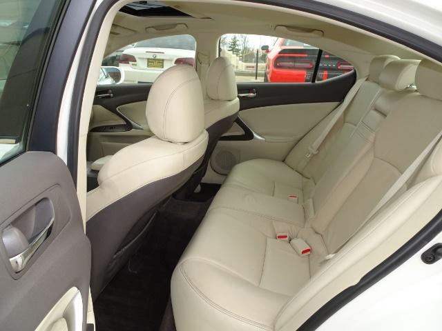 2009 Lexus IS 250 - Photo 8 - Cincinnati, OH 45255
