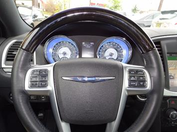 2011 Chrysler 300C - Photo 15 - Cincinnati, OH 45255