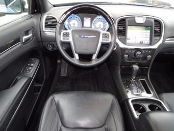 2011 Chrysler 300C - Photo 12 - Cincinnati, OH 45255