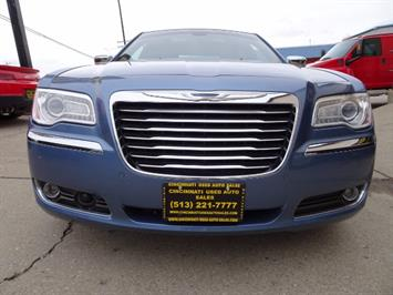 2011 Chrysler 300C - Photo 2 - Cincinnati, OH 45255