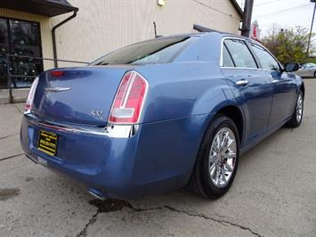 2011 Chrysler 300C - Photo 5 - Cincinnati, OH 45255