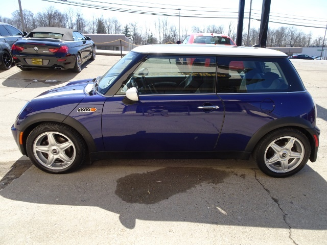 2005 Mini Cooper - Photo 10 - Cincinnati, OH 45255