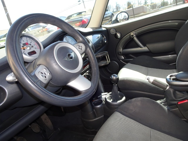 2005 Mini Cooper - Photo 12 - Cincinnati, OH 45255