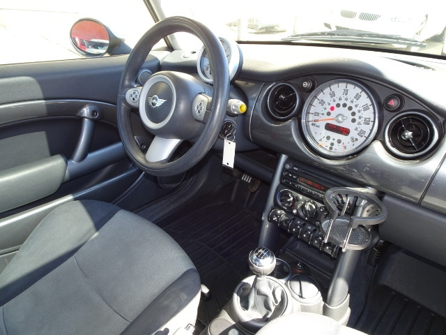 2005 Mini Cooper - Photo 13 - Cincinnati, OH 45255