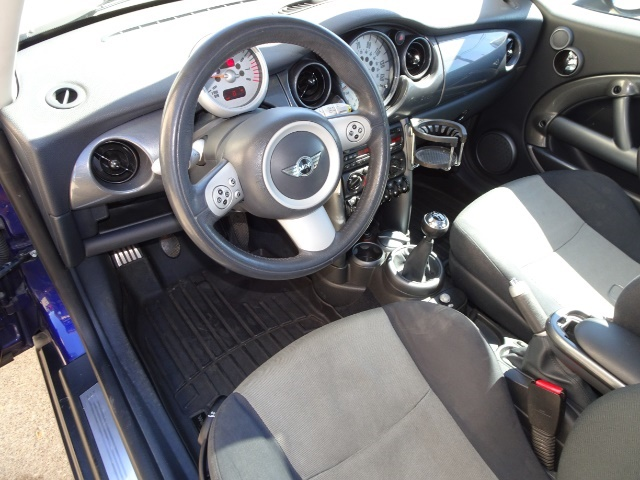 2005 Mini Cooper - Photo 6 - Cincinnati, OH 45255