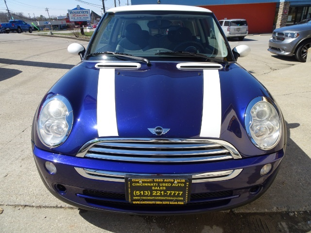 2005 Mini Cooper - Photo 2 - Cincinnati, OH 45255