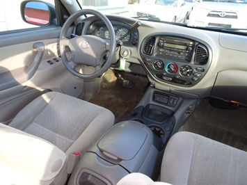 2006 Toyota Tundra SR5 4dr Double Cab - Photo 12 - Cincinnati, OH 45255